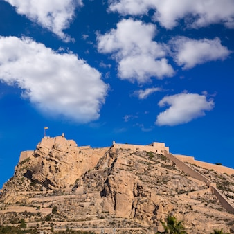 Castelo de alicante santa barbara no mediterrâneo espanha