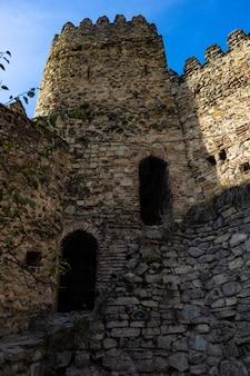 Castelo de ananuri famoso na geórgia