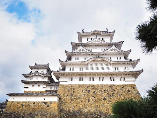Castelo de himeji ou castelo da garça-real branca, japão.