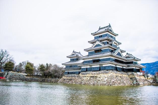 Castelo de matsumoto no japão Foto Premium