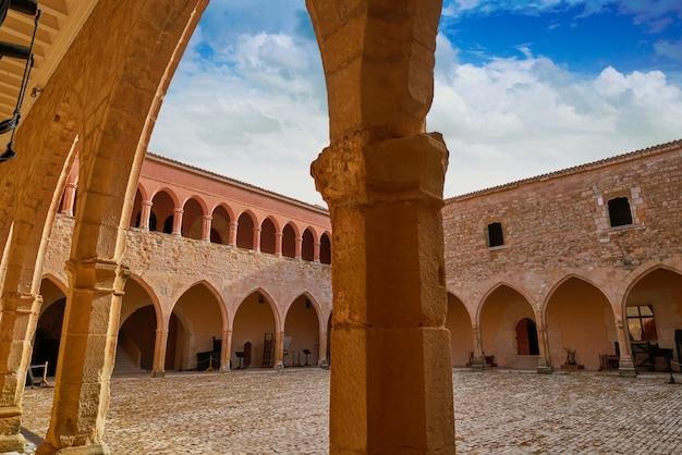 Castelo de mora de rubielos em teruel espanha