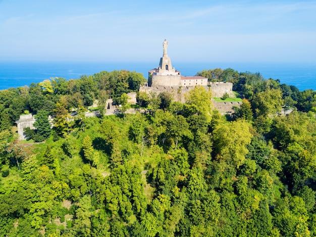 Castelo de mota ou castillo de la mota ou motako gaztelua na montanha monte urgull em san sebastian ou na cidade de donostia na espanha
