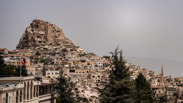 Castelo de uchisar em goreme, cappadocia, turquia.