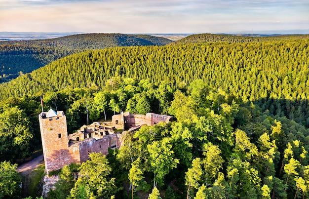 Castelo de wangenbourg nas montanhas de vosges - bas-rhin, alsácia, frança