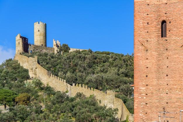 Castelo e torre monte ursino