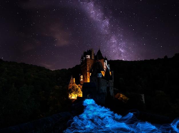 Castelo eltz fantasmagórico