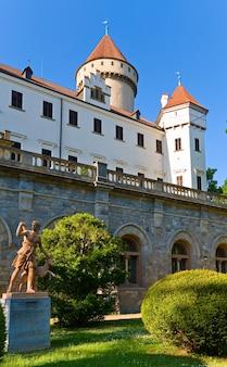 Castelo histórico medieval de konopiste na república tcheca (boêmia central, perto de praga)
