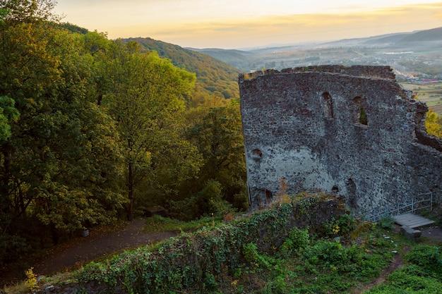 Castelo nevitsky em zakarpatyya ucrânia