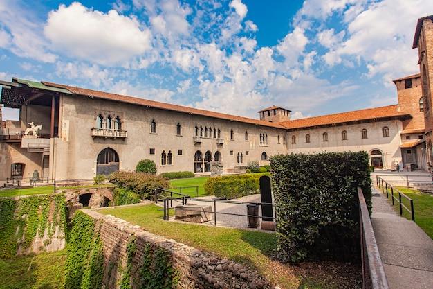 Castelvecchio em verona; um castelo medieval no centro da cidade italiana
