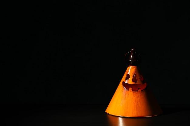 Castiçal de halloween laranja, cópia espaço