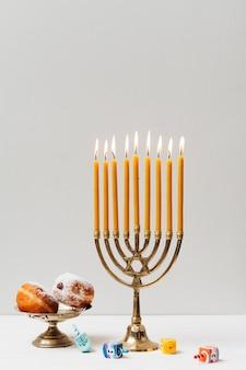 Castiçal de hanukkah festivo