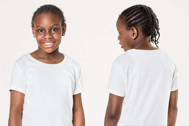 Casual feminino em camiseta branca na frente e nas costas
