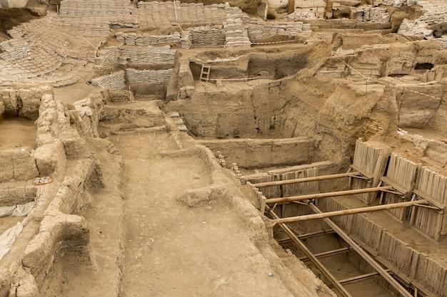 Catalhoyuk konya (turquia). construída em 9.000 ac, na anatólia central, foi há 9 mil anos um local de colonização neolítica muito grande.