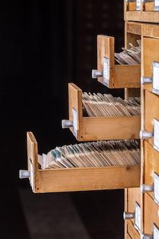 Catálogo de cartão de referência da biblioteca ou arquivo,
