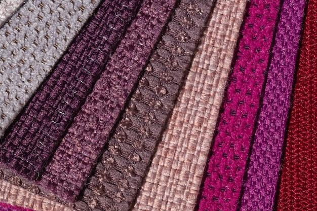 Catálogo de tecidos em tons de rosa roxo