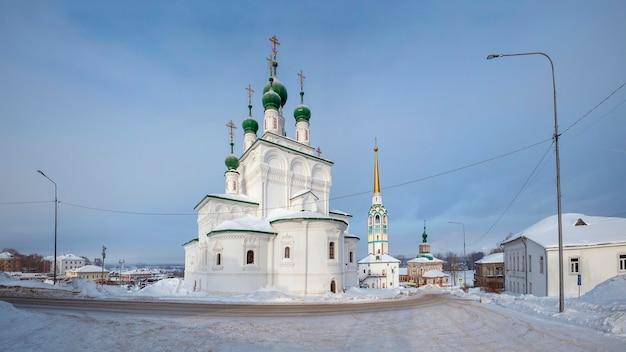 Catedral da trindade na cidade de solikamsk. rússia