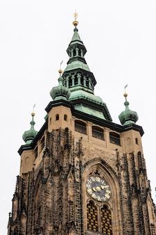 Catedral de praga, também conhecida como catedral de são vito, república tcheca.
