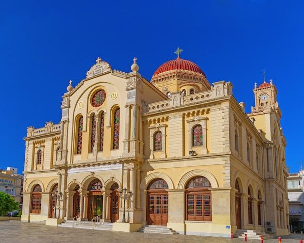 Catedral de são minas, localizada na cidade de heraklion, na ilha de creta.