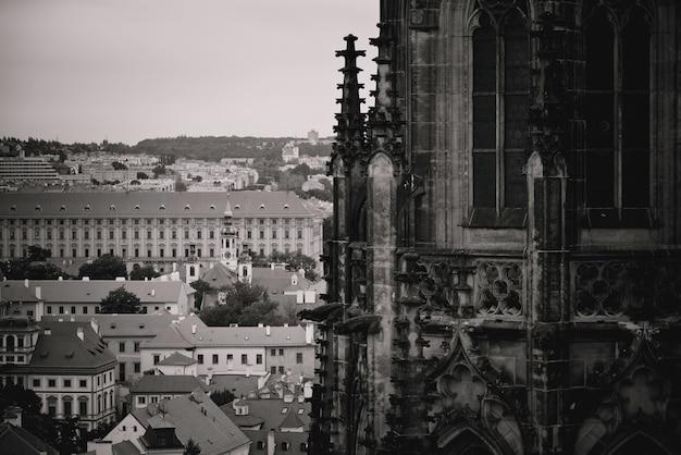 Catedral de são vito e paisagem urbana da cidade velha. praga, república tcheca
