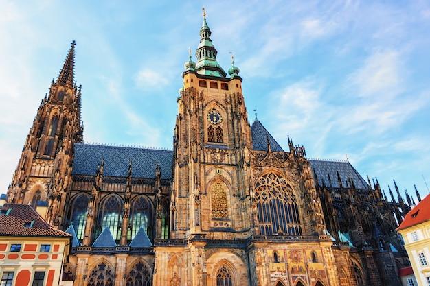 Catedral de são vito no castelo de praga, arquitetura gótica.