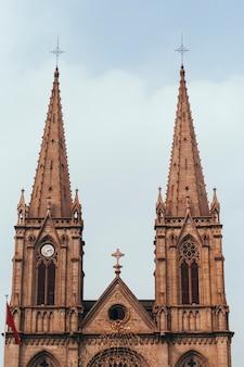 Catedral do sagrado coração. marco da catedral católica romana do renascimento gótico em guangzhou, china. a melhor arquitetura antiga deve ser visitada. destino para ir