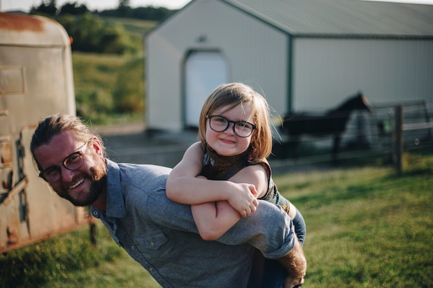 Caucasiano, papai, tendo divertimento, com, filha