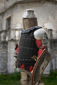 Cavaleiro medieval em armadura
