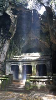 Caverna no céu abandonado