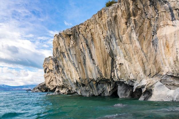 Cavernas de mármore (capillas del marmol), lago general carrera, paisagem do lago buenos aires, patagônia, chile