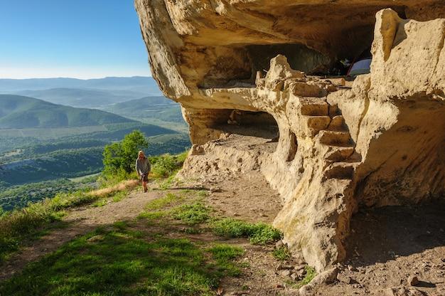 Cavernas em tepe kermen, crimeia
