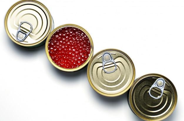 Caviar vermelho de peixe salmão