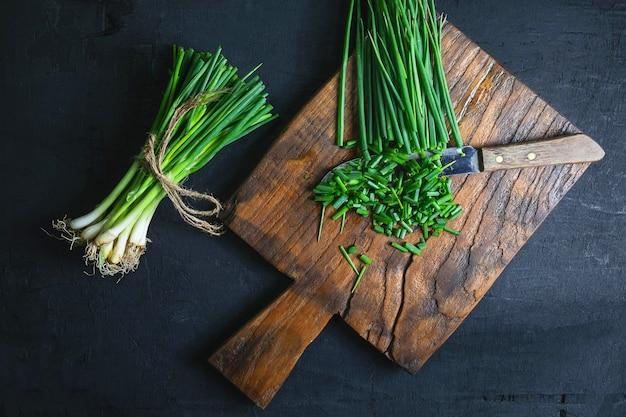 Cebola fresca, corte, ligado, madeira, tábua cortante
