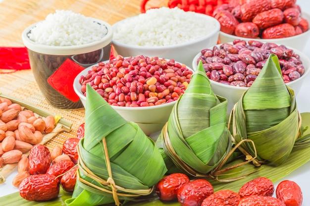 Celebração china porco embrulhado folha de tradição