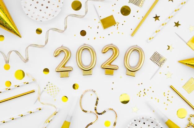 Celebração de ano novo 2020 plana leigos com acessórios