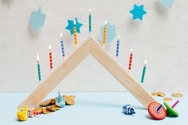 Celebração de hanukkah com velas