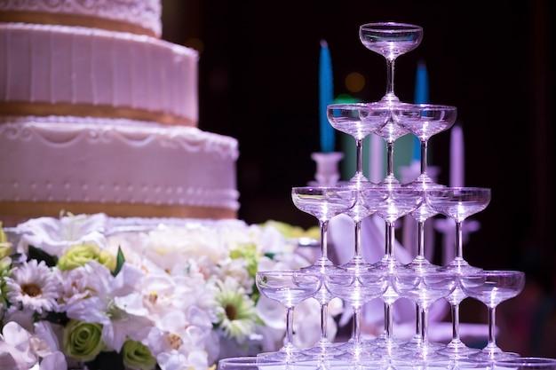 Celebração de taças de champanhe