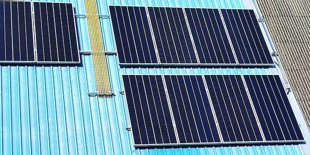 Célula solar no telhado.