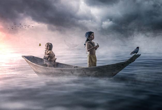 Cena dramática de duas crianças perdidas à deriva no oceano