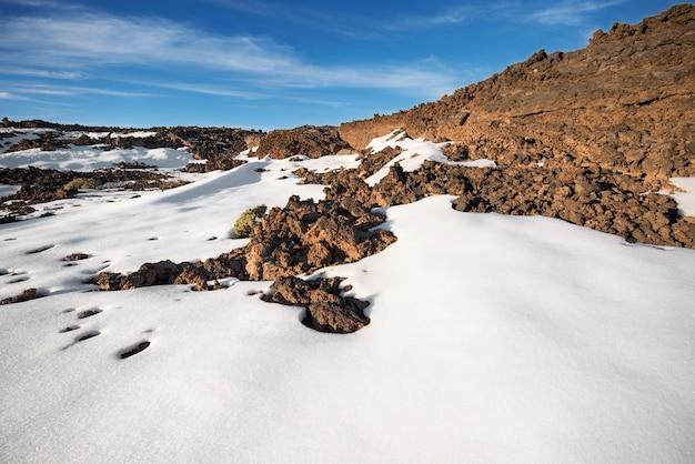 Cena inverno, de, teide, parque nacional, em, pôr do sol, com, vulcânico, pedras, e, neve, em, tenerife
