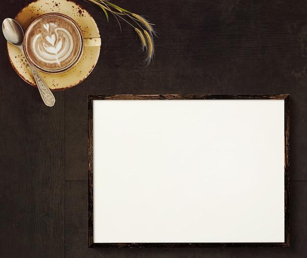 Cena marrom escura com cappuccino de café