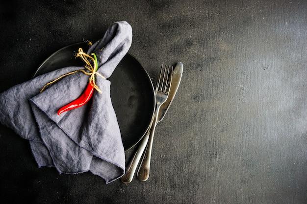 Cenário de mesa com pimenta vermelha