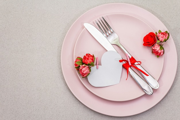 Cenário de mesa romântica para dia dos namorados