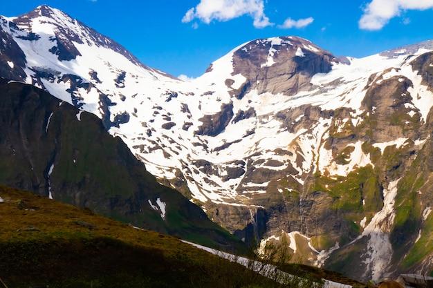Cenário de montanhas rochosas, alpes, áustria. grossglockner.