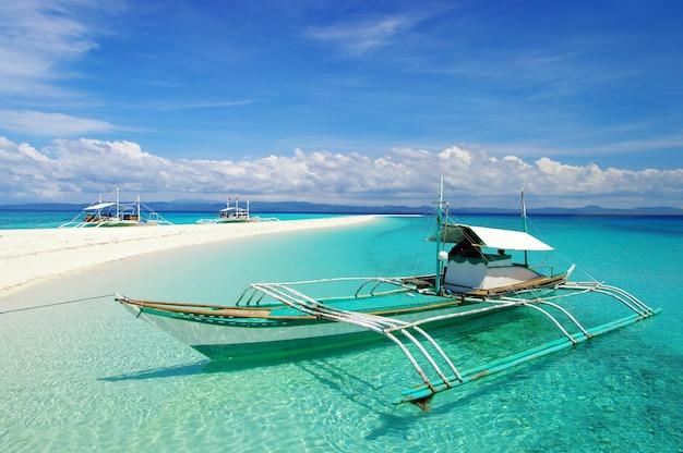 Cenário de praia tropical. ilhas exóticas das filipinas.