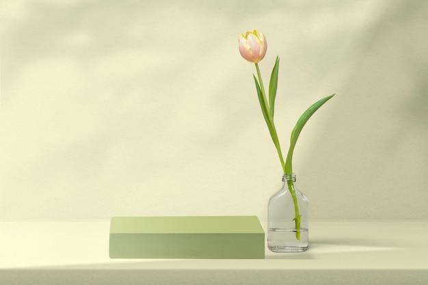Cenário de produtos de flores com tulipa em verde