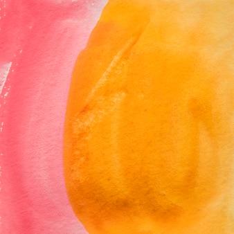 Cenário de tinta de cor de água vermelha e amarela para cartão