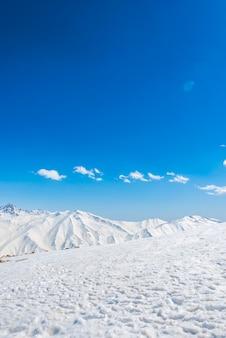 Cenário panorâmico branco férias frias