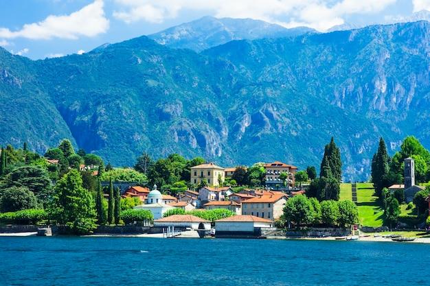 Cenário pictórico do lago di como, itália