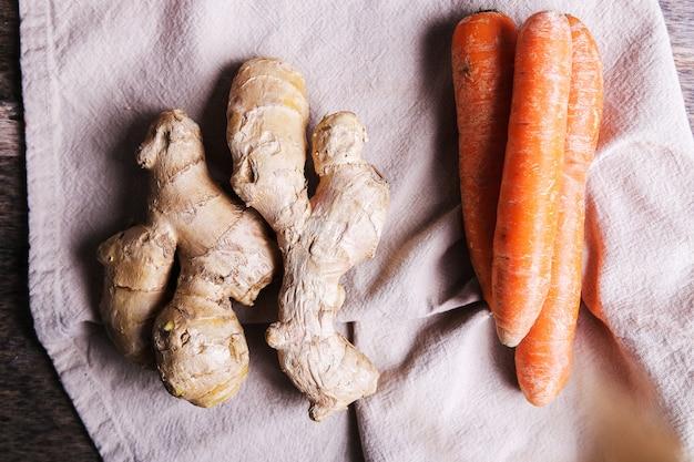 Cenoura e raiz de gengibre