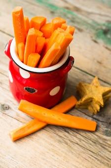 Cenoura fresca de comida saudável